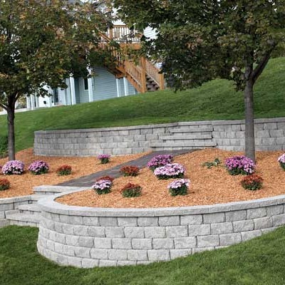How To Build Retaining Walls on Slopes – 10 Simple Steps